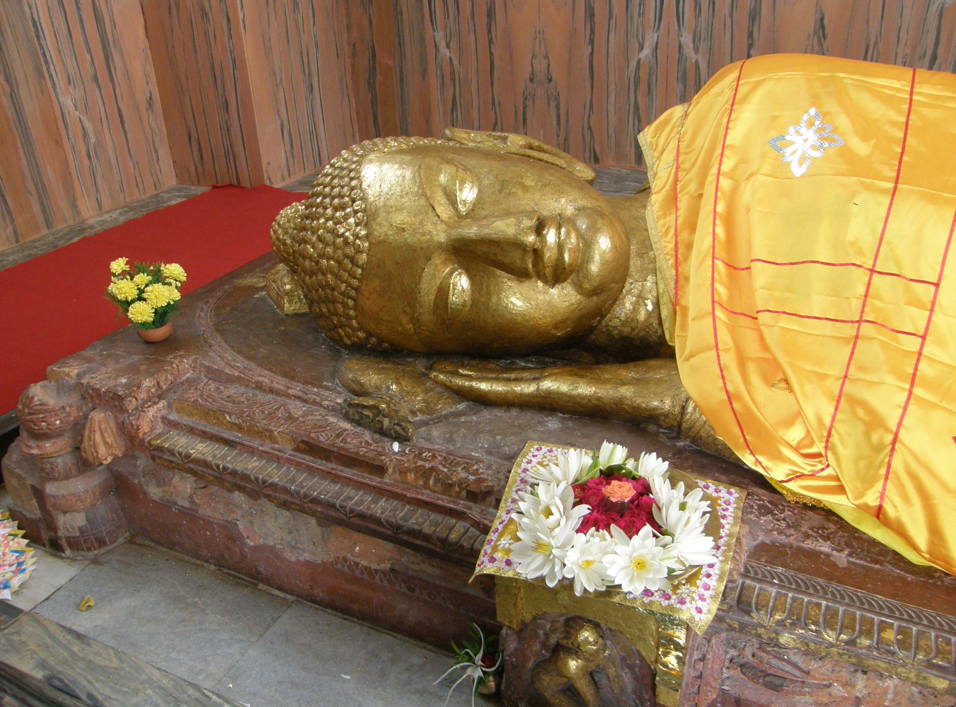 Head of a Buddha in sleeping position